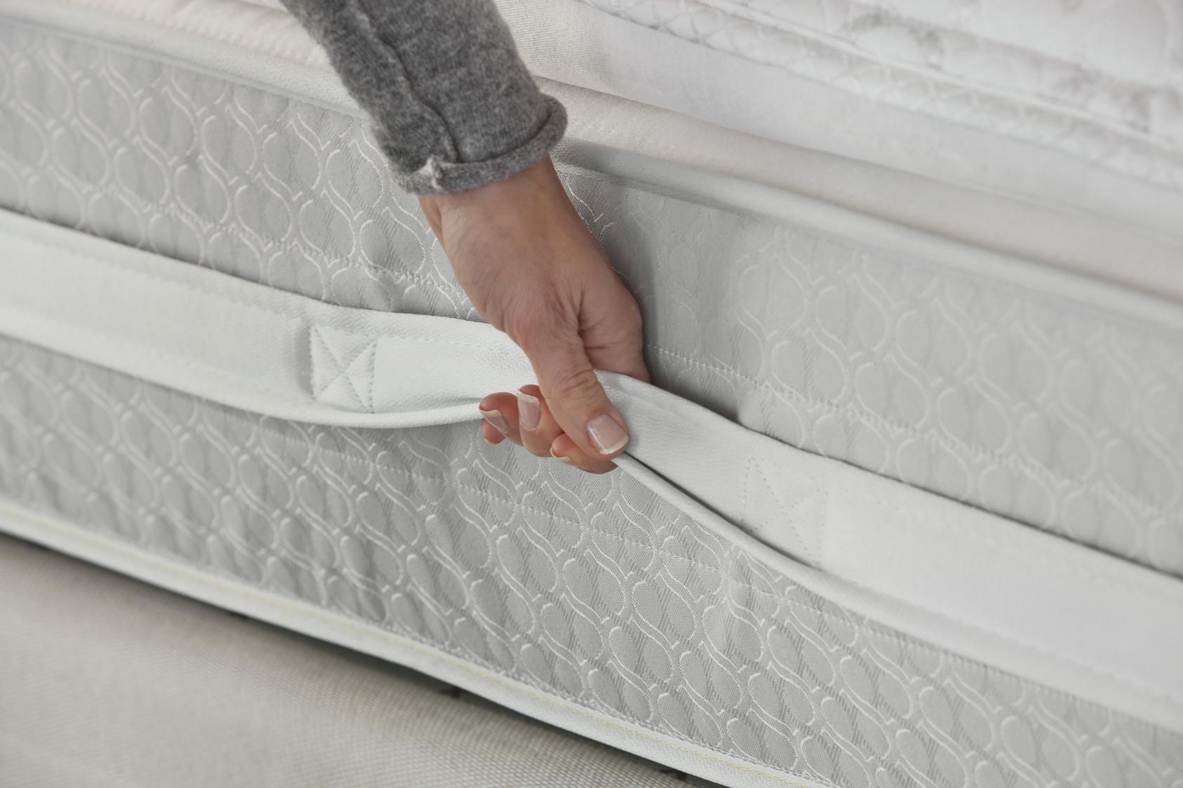 Sealy Posturepedic Titanium SS™ Plush Super Pillow Top